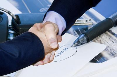 <b>25% de descuento</b> o una consulta gratuita con estudio de documentación y emisión de un <b>dictámen escrito</b> con la opinión del despacho.