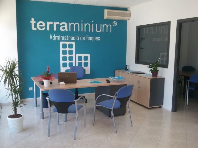 Terraminium blanes administraci n de fincas blanes for Oficina de treball blanes