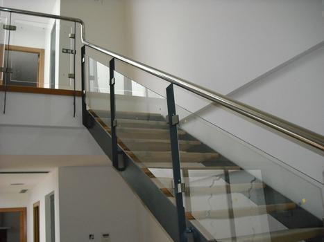 Cerrajeria francisco parra cerrajeros santa maria de - Barandillas metalicas para escaleras ...